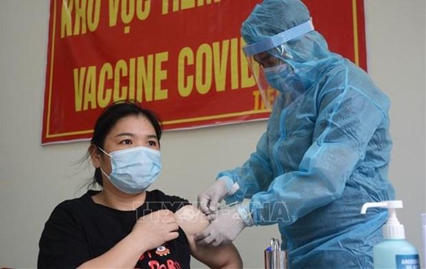 Garantizan vacunacion a todos los residentes en ciudad vietnamita de Da Nang hinh anh 1