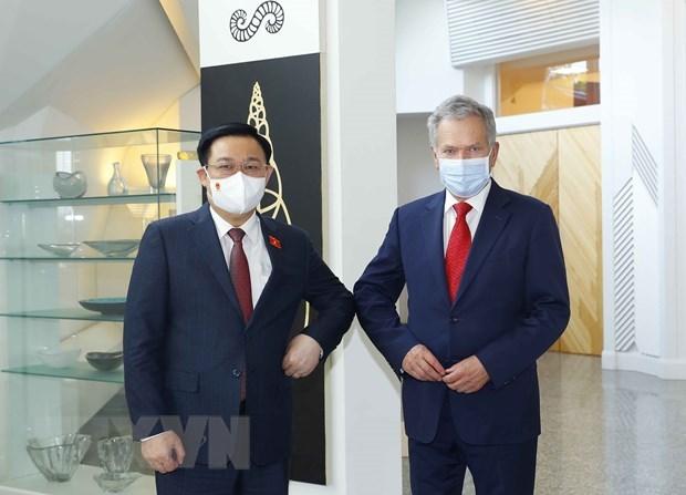 Titular del Legislativo de Vietnam se reune con presidente de Finlandia hinh anh 1