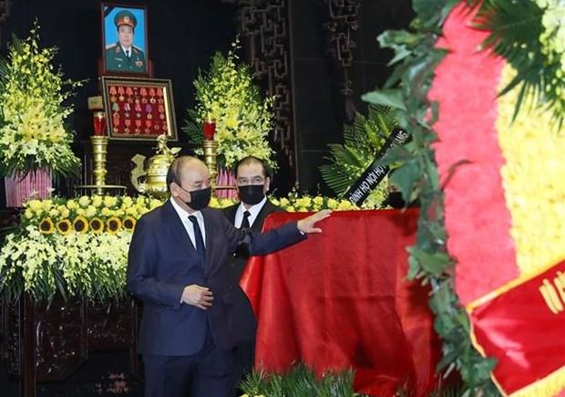 Despiden con funeral de Estado al general vietnamita Phung Quang Thanh hinh anh 2