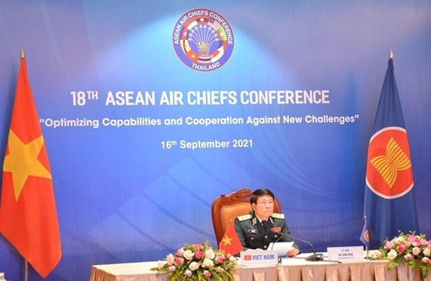 Participa Vietnam en XVIII Reunion de Jefes de Fuerzas Aereas de ASEAN hinh anh 1
