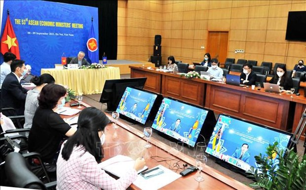 ASEAN mejorara flujos de comercio, servicios e inversion en etapa pos-COVID-19 hinh anh 1