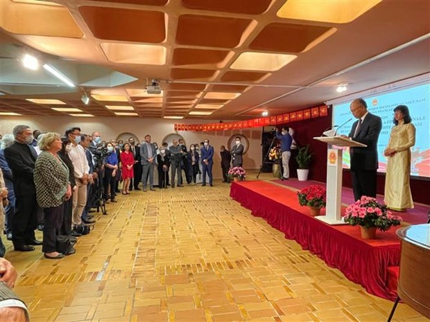 Embajador vietnamita en Francia valora desarrollo de relaciones bilaterales hinh anh 2