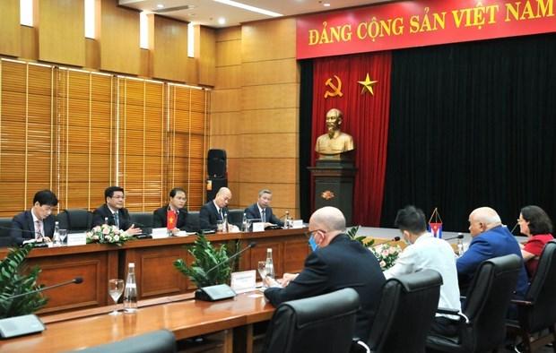 Vietnam llama a facilitar sus exportaciones e inversion en Cuba hinh anh 1