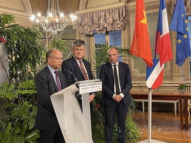Vietnam fomenta intercambios economicos y culturales con localidades francesas hinh anh 1