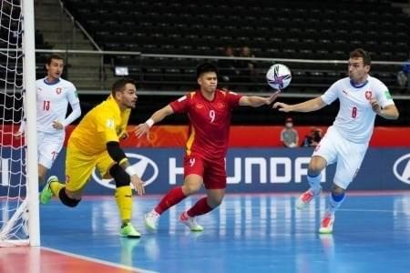 Vietnam avanza a los octavos de la Copa Mundial de Futsal hinh anh 2