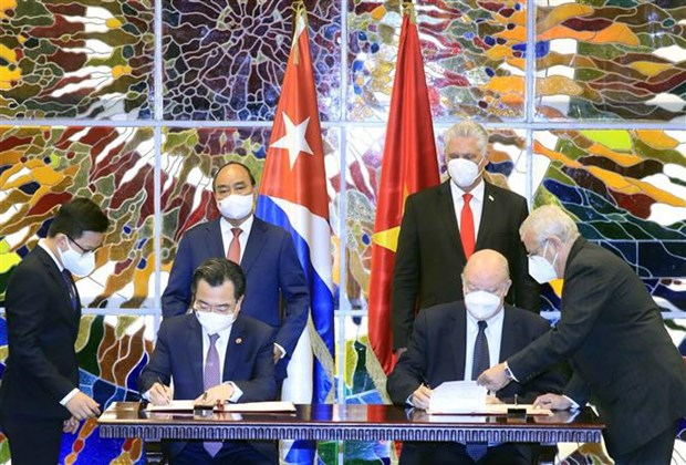Presidentes de Vietnam y Cuba debaten orientaciones para consolidar lazos bilaterales hinh anh 3