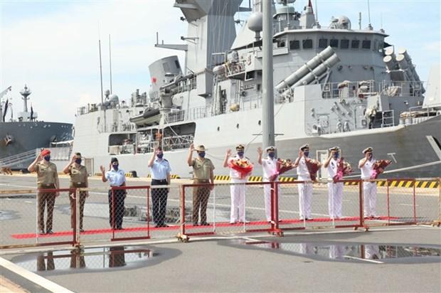 Buques de la Armada Real de Australia llegaron a Vietnam hinh anh 1