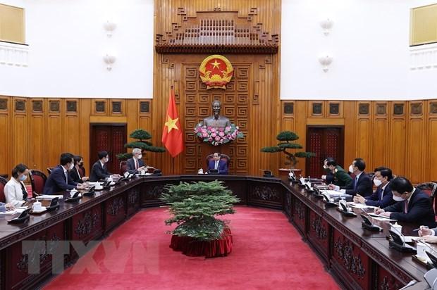 Primer ministro de Vietnam aspira a fortalecer cooperacion con Francia en sector de salud hinh anh 2