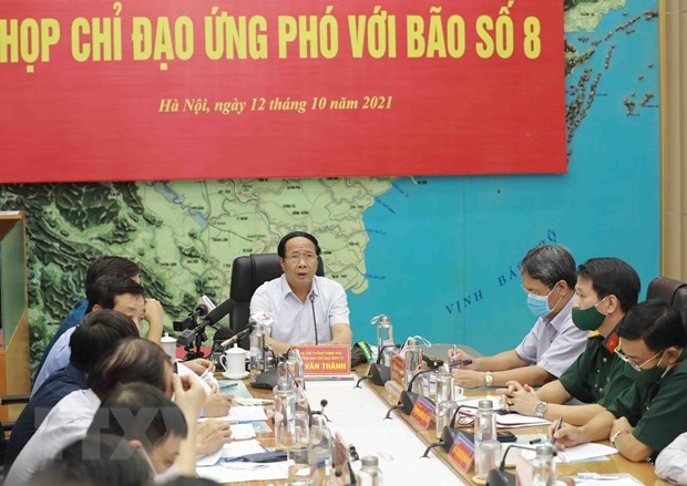 Vicepremier insta a garantizar evacuacion segura de pobladores ante la llegada del tifon Kompasu hinh anh 2
