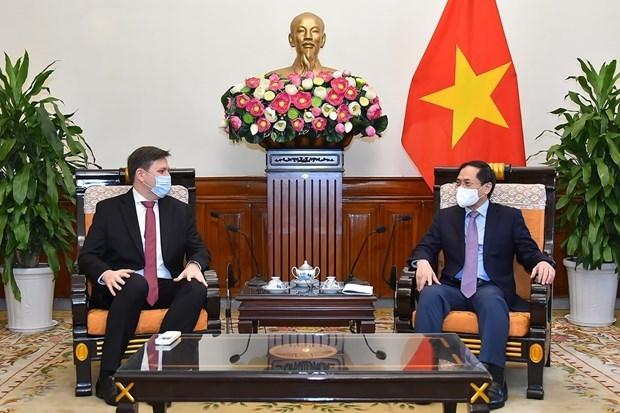 Aprecia Vietnam la cooperacion multifacetica con Polonia hinh anh 1