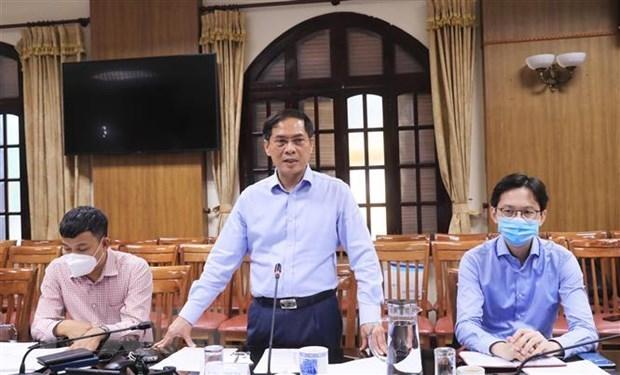 Exigen establecer plan integral sobre vacunas contra el COVID-19 para Vietnam hinh anh 1