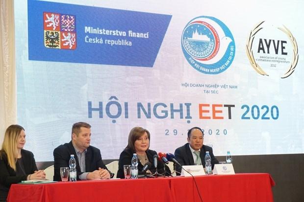 Destacan cumplimento de la ley de companias vietnamitas en Republica Checa hinh anh 1
