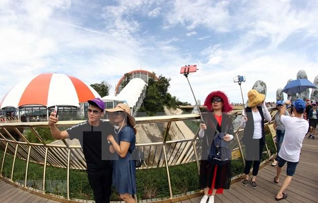 Da Nang espera recibir 2,4 millones de visitantes en los ultimos seis meses hinh anh 1